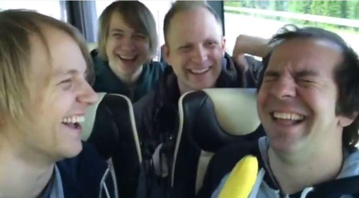 Say Hello til Violet Road i turnèbussen! Beviset på at Violet Road kanskjer er Nord-Norges herligste gjeng?