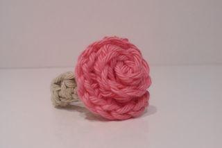 Crochet rose ring Tutorial ✿⊱╮Teresa Restegui http://www.pinterest.com/teretegui/✿⊱╮