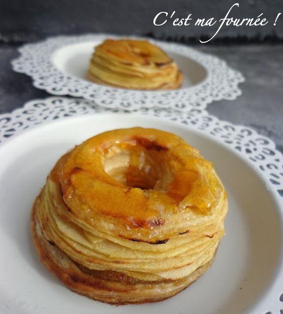 Tartelette aux pommes facile et rapide si on a déjà préparer la pâte feuilletée Attention, mandoline obligatoire pour garantir l'effet ;)