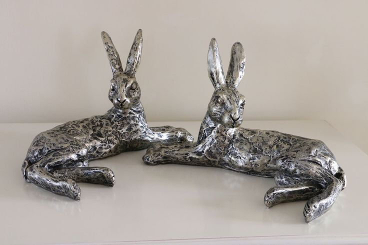 Beautiful Champagne Bronze Effect Lying Down Hare 25cm In Length