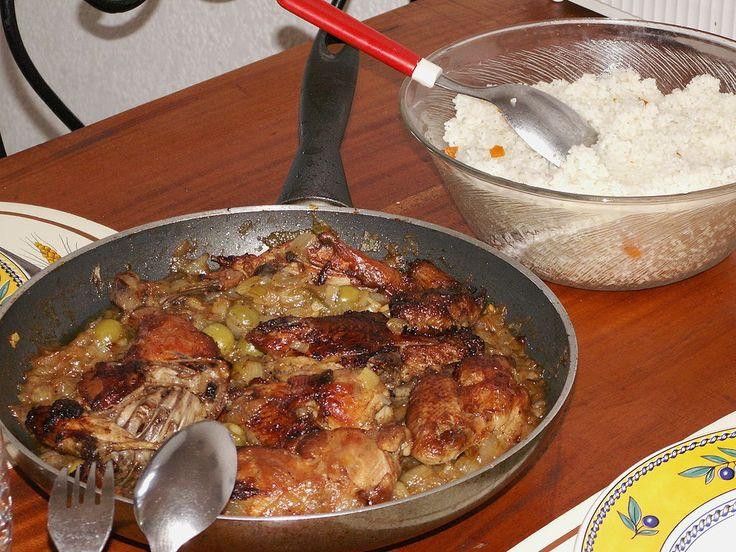 Yassa is a popular dish throughout West Africa prepared with chicken or fish. Chicken yassa is pictured. ◆Ivory Coast - Wikipedia https://en.wikipedia.org/wiki/Ivory_Coast #Ivory_Coast #Cote_d_Ivoire