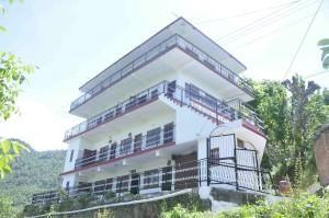 Tidy Homestay in Shoghi Himanchal