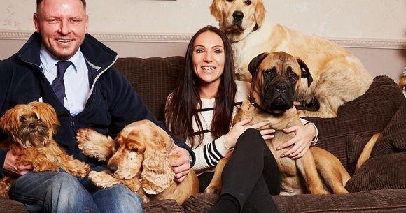 """""""Έφεραν πίσω στη ζωή"""" το κατοικίδιό τους με κλωνοποίηση [Φωτογραφίες] - http://secn.ws/1Ppcryq - Την γέννηση δύο κλωνοποιημένων κουταβιών που θα αναπληρώσουν το κενό της απώλειας του πολυαγαπημένου τους μπόξερ προσμένει ένα ζευγάρι από το Ηνωμένο Βασίλειο.  Η Laura Ζak και ο σύ"""