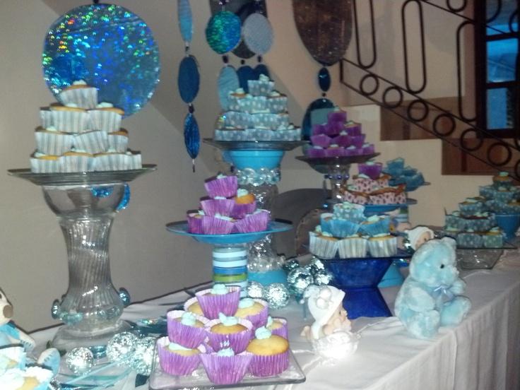 Cupcakes y osos para decorar decoracion de bautizo for Decoracion para bautizo