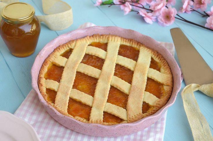 Lacrostata di marmellata di mamma è il dolce che ho preparato questa domenica, è uno dei miei comfort food per eccellenza ed è un dolce che mi
