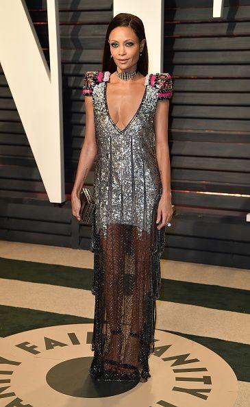 <p>Thandie Newton lució algo futurística con esta creación en lentejuelas de Schiaparelliy joyas<em></em>Atelier Swarovski<em>.</em> </p>