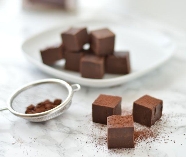 Chocolade Fudge: écht, als je me ergens wakker voor wilt maken is dat het wel. Chocolade fudge is romig, zacht...