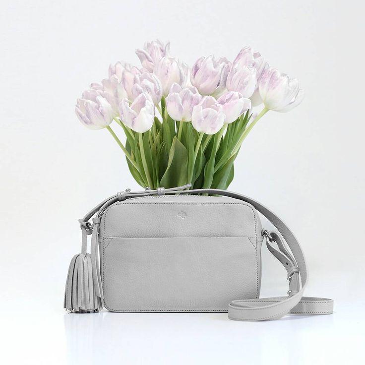 We're dreaming of spring #Bloombag in grey#elahandbags #spring #humbleluxury #handbags #accessories #fashion #instafashion