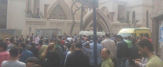 Mısır'dan bir son dakika haberi daha geldi. Mısır'daki saldırılarda kiliseler hedef alındı.  Sabah saatlerinde Tanta'da bir kiliseye yapılan saldırının ardından bu kez İskenderiye'den bir patlama meydana geldi. Saldırıdaüçü güvenlik görevlisi altı kişi öldü, 30 kişi yaralandı.   #AZİZ GEORGE #DAEŞ #hristiyan #iki #iskenderiye #katedral #kilise #kıpti #Mısırdaki #saldırısını #Tanta #üstlendi