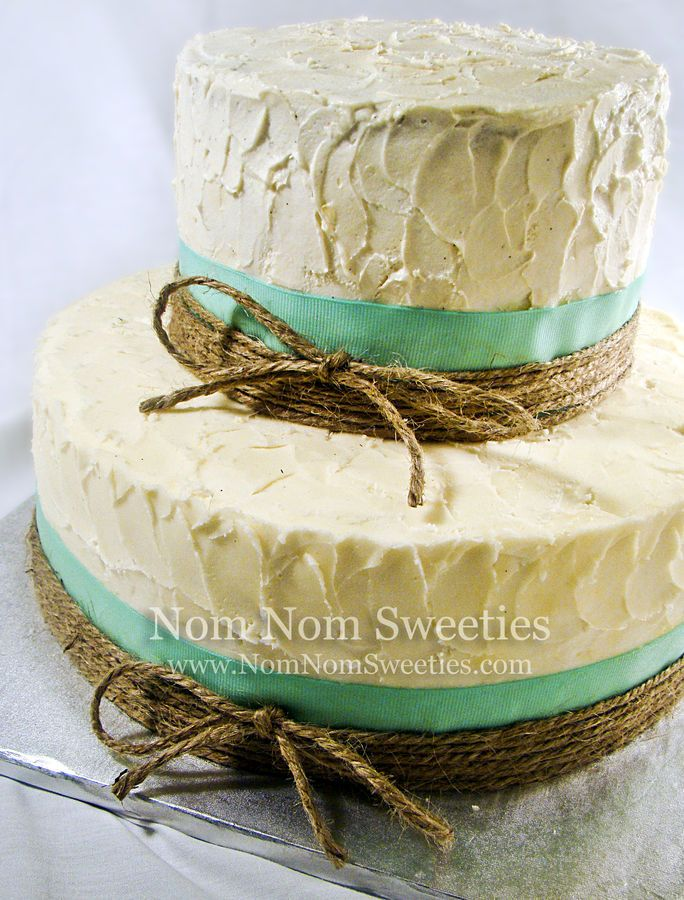 A rustic style wedding cake.  If I was into all that wedding stuff this would do just fine :)