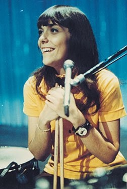 karen carpenter sooooooo much talent it makes me crazy!  Incredible voice and a drummer.  That's my girl!