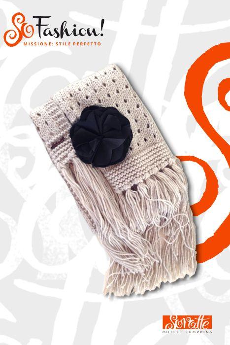 Sciarpa di lana con spilla TWIN SET, Prezzo retail €77 - Prezzo outlet €50.