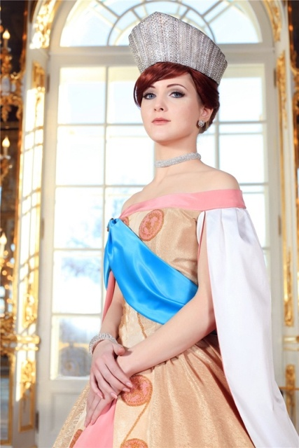 Create Anastasia Romanova cosplay with GEO Berry Cessy Blue