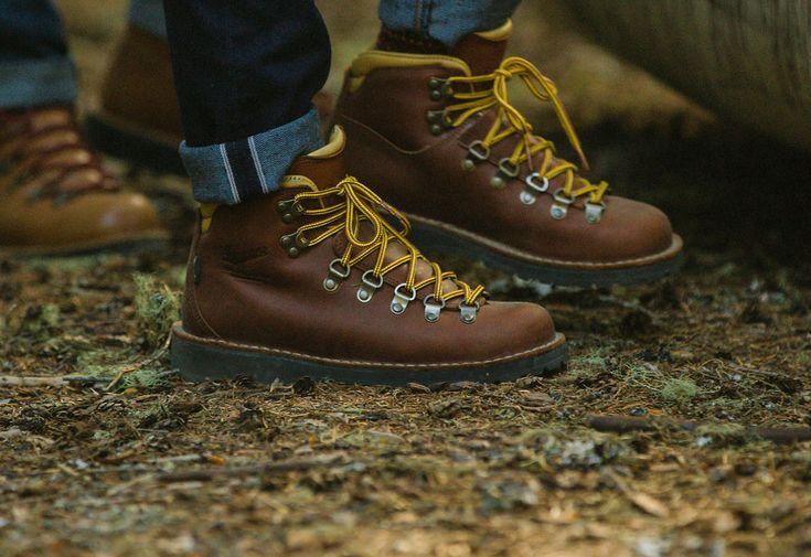 Lifestyle Hiking Boot, light hike / city  http://www.danner.com/women/hike/women-s-mountain-pass-cedar.html