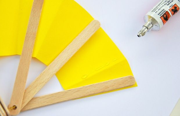Il ventaglio con gli stecchi del gelato - Lavoretti - Piccolini Barilla