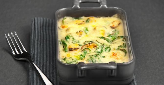 Recette de Gratin crémeux de pommes de terre, épinards et champignons. Facile et rapide à réaliser, goûteuse et diététique.