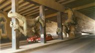 Societat. El popular monstre de paper maché va decorar durant molts anys el túnel que uneix Sant Andreu amb el Passeig de Valldaura, a 9 Barris.
