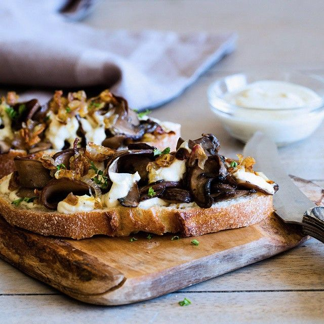 Open sandwich with caramelized shallot and portobello with lemon-cashew sauce // @the …   – Yummy