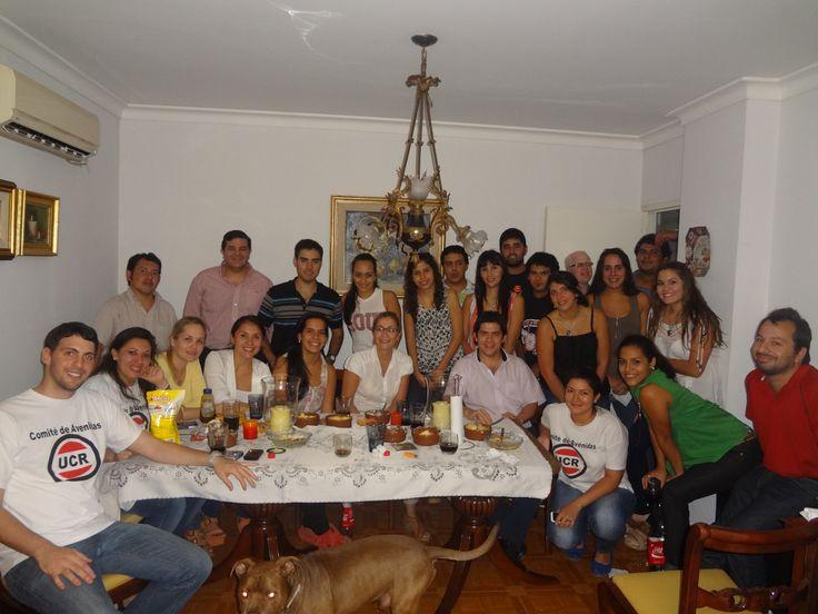la Decana de la Facultad de Derecho, Cenando con la Juventud Radical