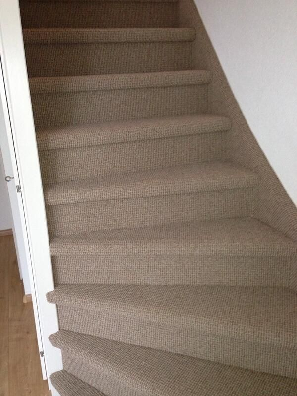 Tapijt is ideaal voor op de trap. Deze trap is gestoffeerd met tapijt van #Parade