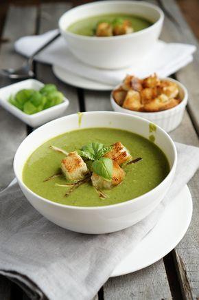 Почему-то летом я больше люблю есть крем-супы и супы-пюре. Хорошим плюсом является то, что их можно подавать даже холодными, от чего он совершенно не теряют свой вкус…