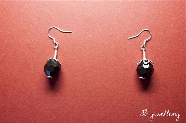 #black #simple and #elegant #earrings for everyday wear #3bjewellery #wirewrapping #beginner