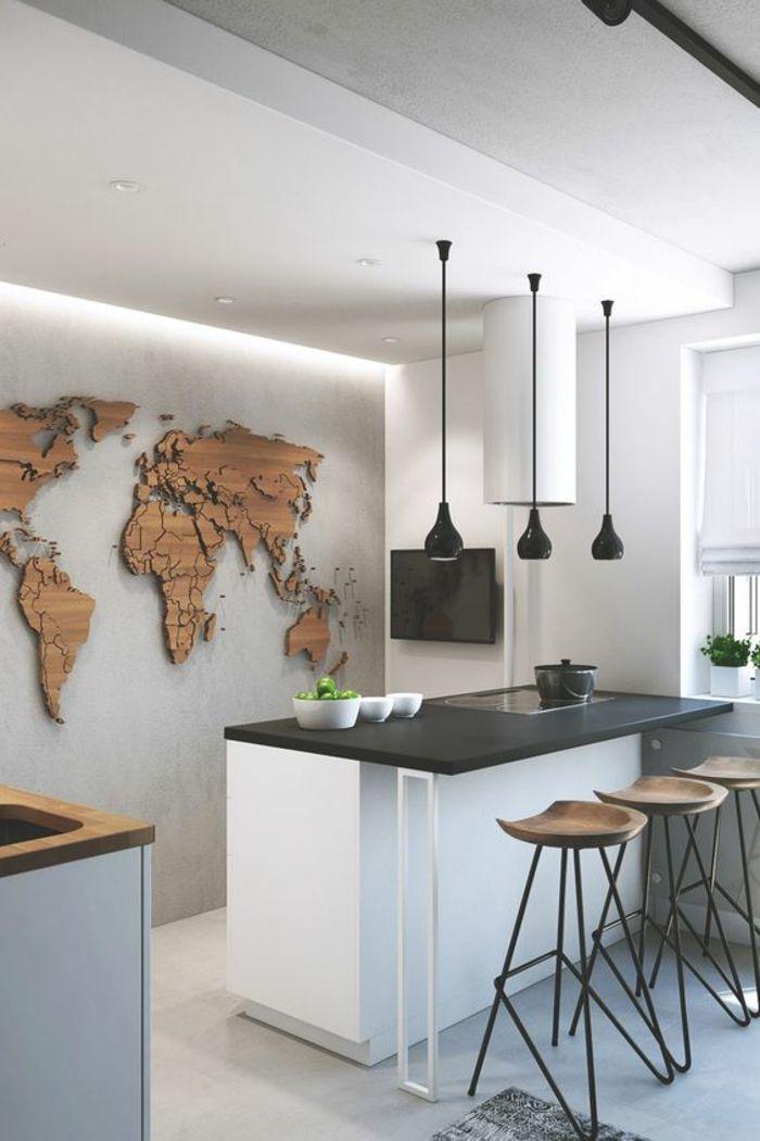Cuisine Noir Et Bois Sol Et Plafond En Blanc Avec Panneau Décoratif Sur Le  Mur En Bois Synthétique En Forme De Carte Géographique De L Afrique Et De L  ...