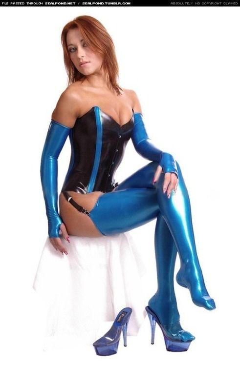 Latex fetish girls are absolutely
