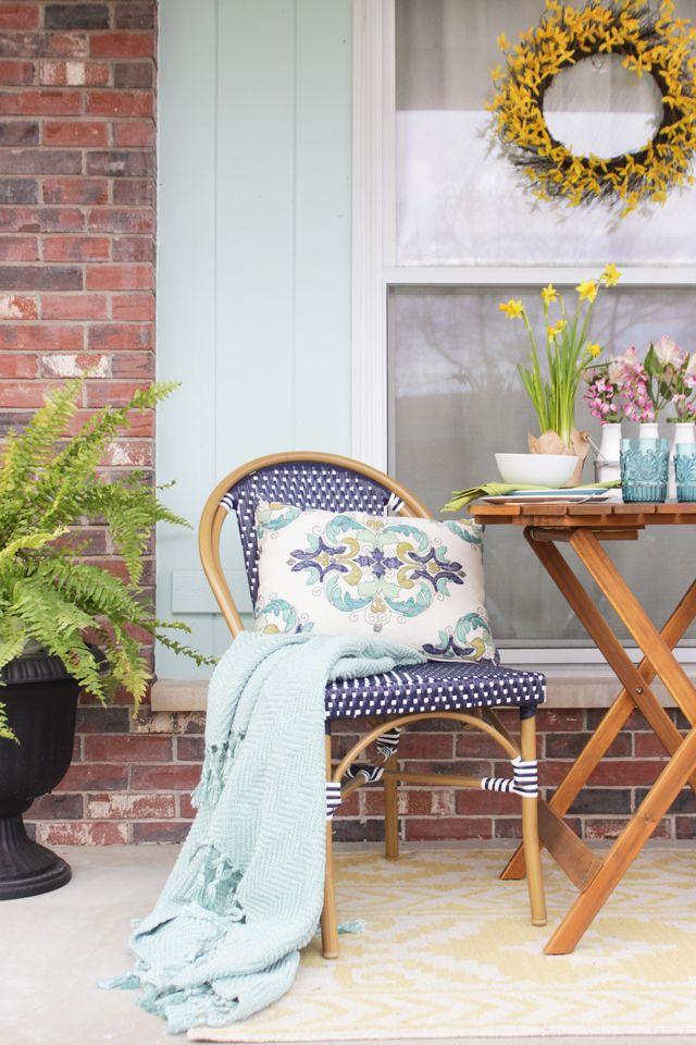 Spring Porch Refresh via Rachel of Shades of Blue Interiors for Cost Plus World Market. >> #WorldMarket Spring Home Decor