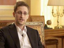 Бывший сотрудник американских спецслужб Эдвард  подал документы на предоставление ему политического убежища в России. Срок ранее предоставленного ему убежища истекает 1 августа.