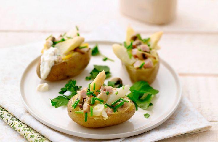 Gevulde aardappelenmet asperges en ham