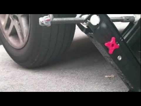 How to jack up a Bmw e46 316i jack point - YouTube