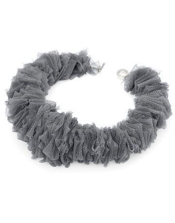 Una stupenda collana fai da te in tulle, ideale per fare un regalo di Natale davvero morbido ed elegante. Ecco tante idee in tulle e feltro.