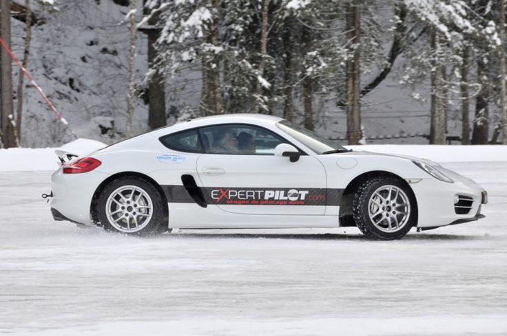 Apprentissage de la conduire sur la glace avec le circuit glace Expert Pilot en Porsche, Focus RS, Porsche, Audi S1,  Clio RS