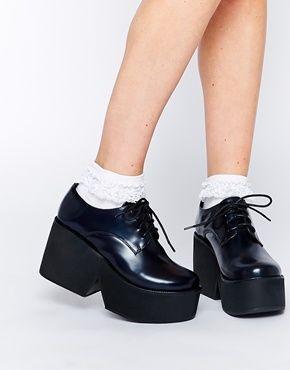 1000 id es sur le th me les chaussures plate forme sur pinterest baskets noires chaussures. Black Bedroom Furniture Sets. Home Design Ideas