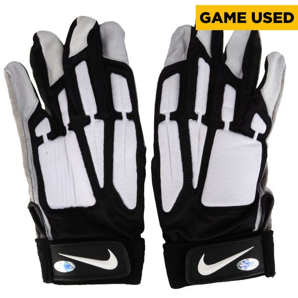 Jason Kelce Philadelphia Eagles Fanatics Authentic Game-Used Black and Gray Nike Pair of Gloves vs Washington Redskins on December 26, 2015 - $89.99
