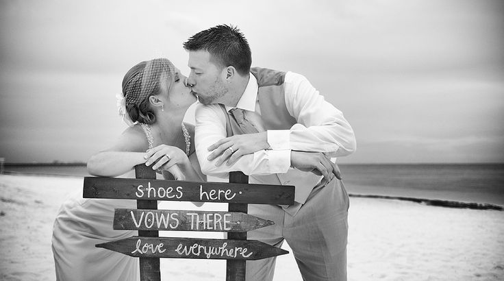 Adorable DIY sign for this beach wedding | Palace Resorts Weddings ®