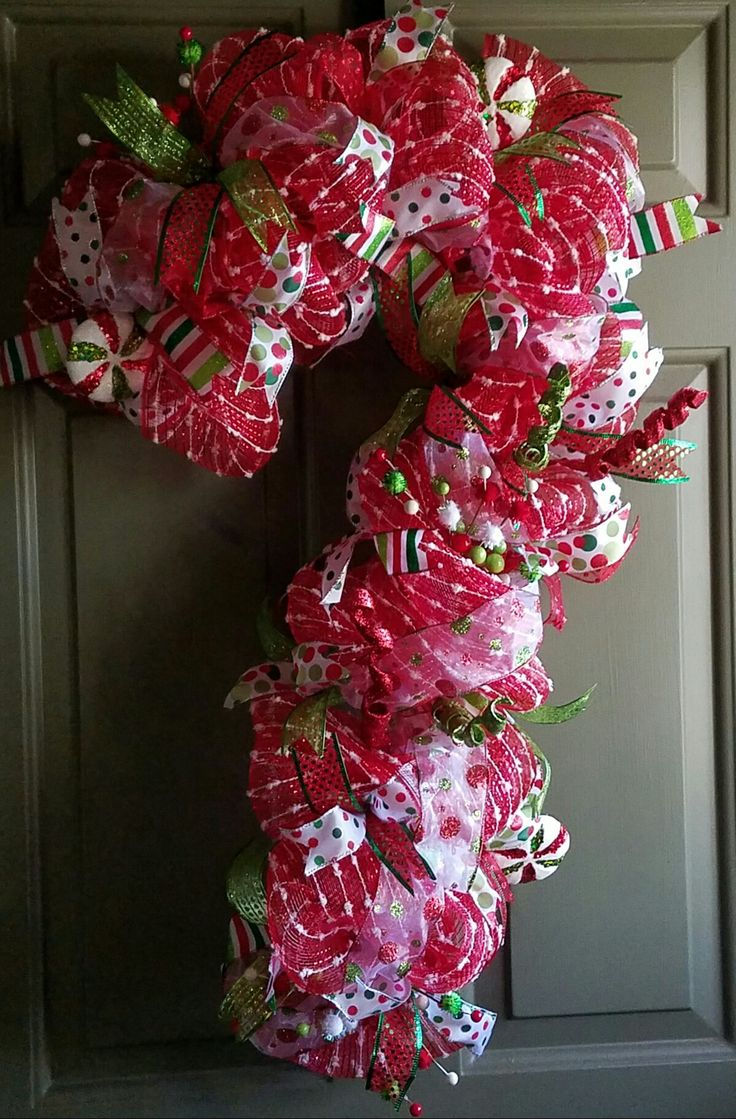 Candy Cane Hearts: Best 25+ Candy Cane Wreath Ideas On Pinterest
