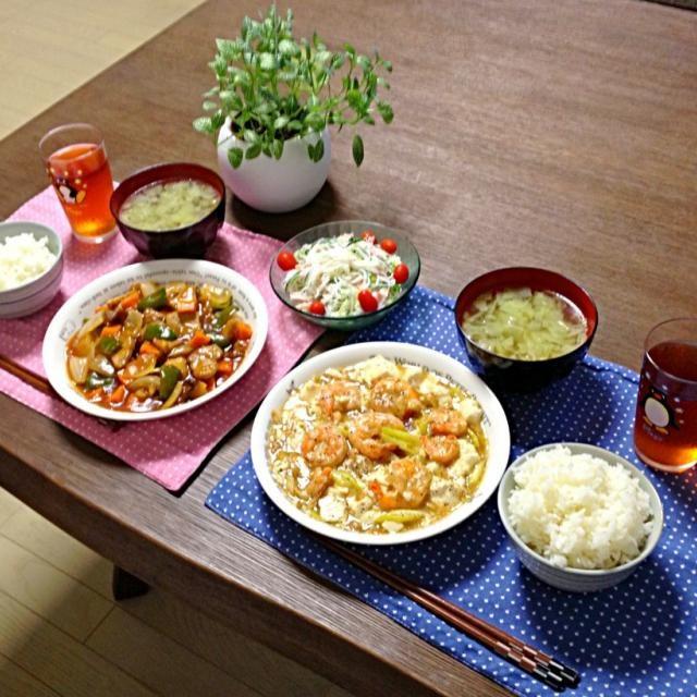 春雨マヨサラダのミニは、家庭菜園で作ったもので〜す!(^_^)v - 18件のもぐもぐ - 海老と豆腐の炒め煮、酢豚、春雨マヨサラダ、キャベツの中華スープ、ご飯 by pentarou
