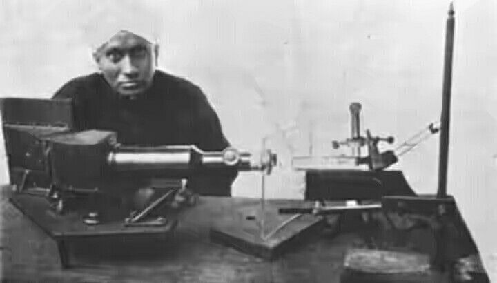 Nobel laureate C V Raman with his spectrograph which helps by acting as a fingerprint in identifying molecules.
