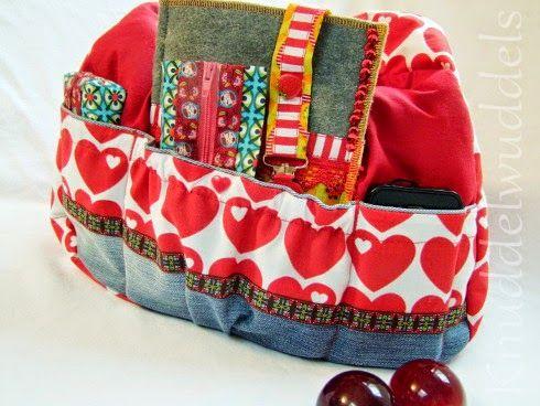 Kugeltasche von Farbenmix innen mit Extrataschen