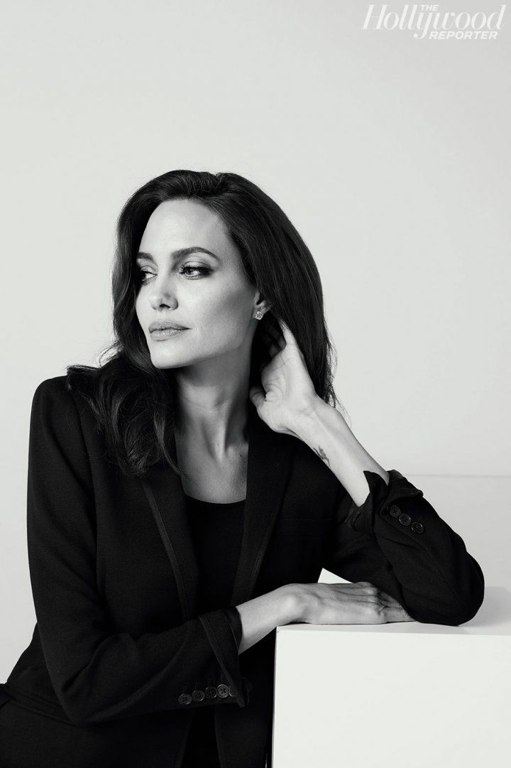 The Hollywood Reporter S 100 Best Photos Of 2017 Angelina Jolie Photoshoot Angelina Jolie Photos Angelina Jolie