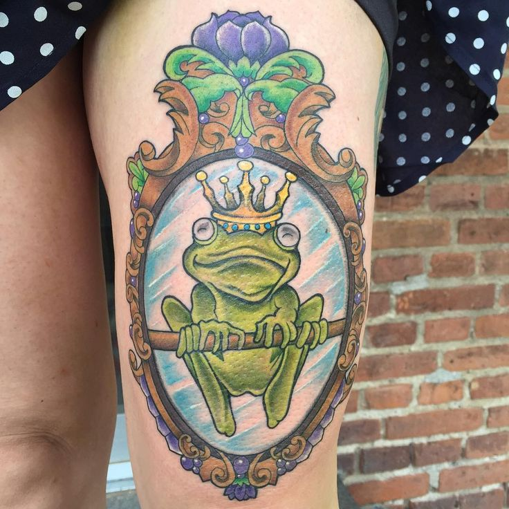 Hermit the frog with glasses