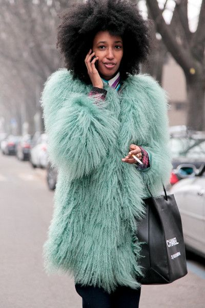//Learn how to render faux fur: http://www.universityoffashion.com/lessons/rendering-faux-fur/
