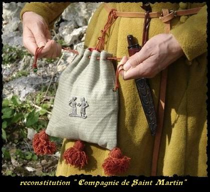 by Compagnie de Saint Martin. Documentation includes good images of extant purses.