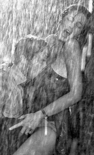 Mucho más que Sexo Oral y Escrito: Sexo bajo la lluvia