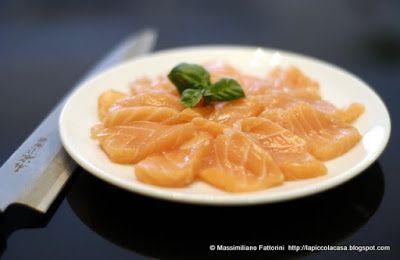 La Piccola Casa: Il giappone in tavola: Sashimi di salmone con sale al basilico e wasabi