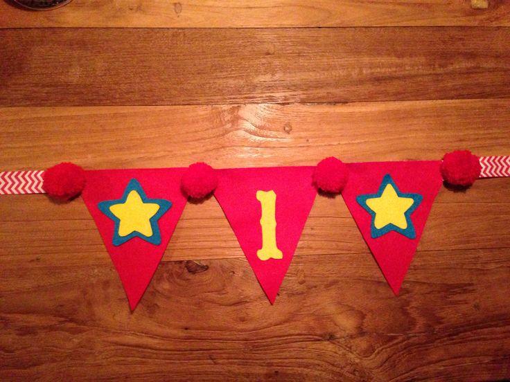 Diy  first Birthday garland. Eerste verjaardag versiering, circus/ carnival theme