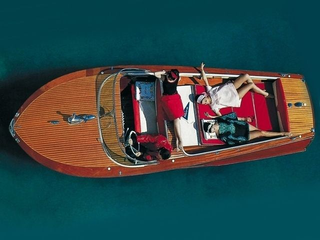 """""""When the sun is shining I can do anything; no mountain is too high, no trouble too difficult to overcome. """" - Wilma Rudolph American athlete and an Olympic champion.  Riva Super Florida  #manoftheworld #riva #rivaboats #SuperFlorida #luxuryboat #boats #yachting #inspirations #icons #Riva #RivaSuperFlorida #fromthepast #pimp #southoffrance #cotedazure #capri #mediterranean #mediterraneansea #summer #underthesun #sun #summerandfun"""