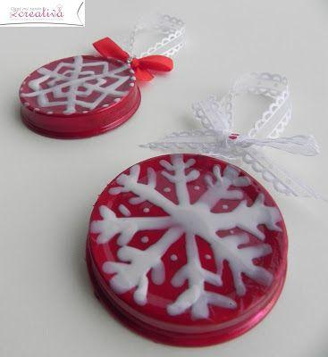 Oggi mi sento creativa: Decori per albero di Natale - riciclando tappi di omogeneizzati e smalti